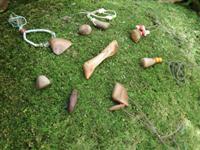 屋久島の木を磨くワークショップ